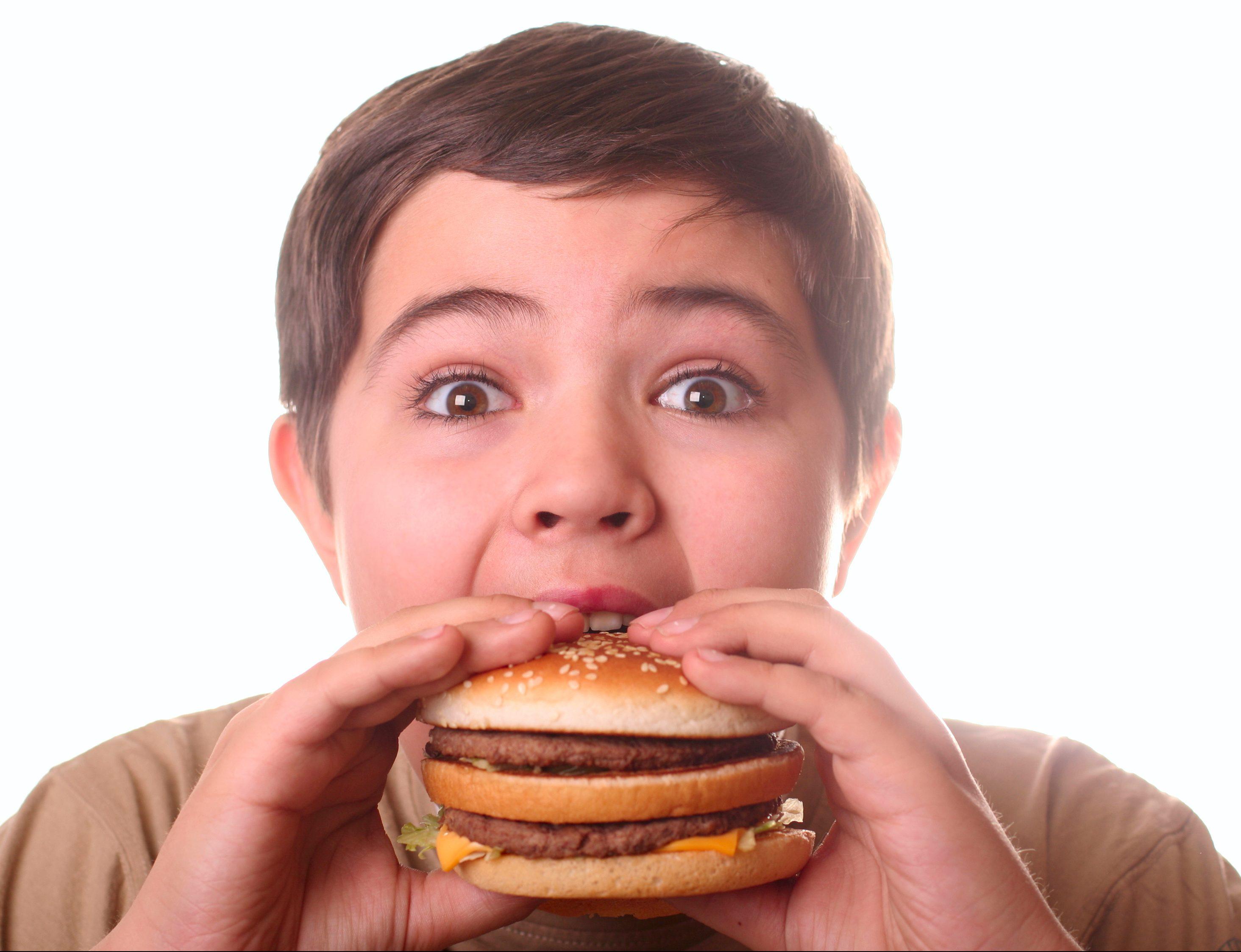 Gece Yemek Yemek : Zararları ve Tedavisi